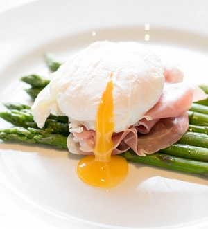 Egg and asparagus dish from Gloucestershire Catering Company